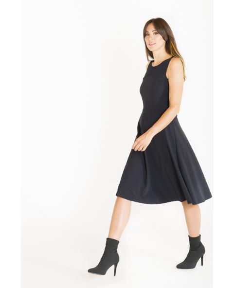 Flared dress with round neckline